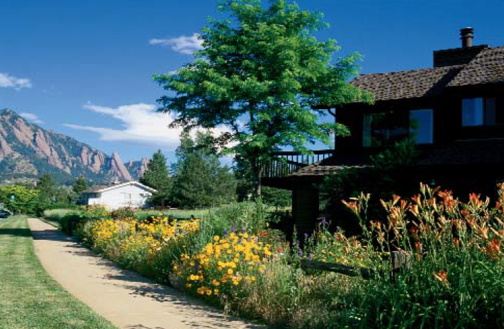 Homes in the upper table mesa enjoy a view of the Flatirons.